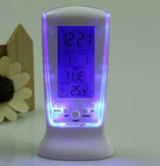 Chollito! Reloj con temperatura, calendario, alarma y luz led por 3€ (Oferta Cupon Descuento)