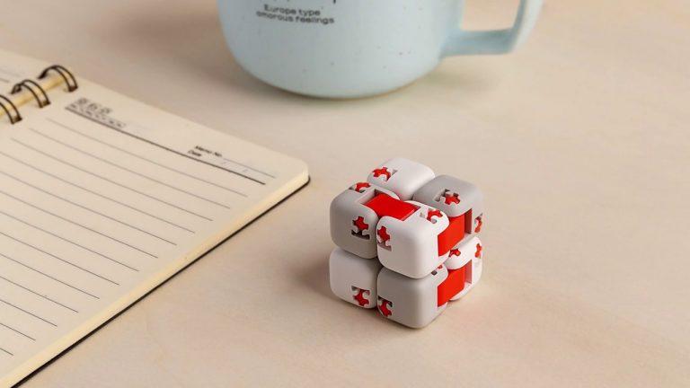 Xiaomi Mitu Finger cubo anti-estres por 1,7€
