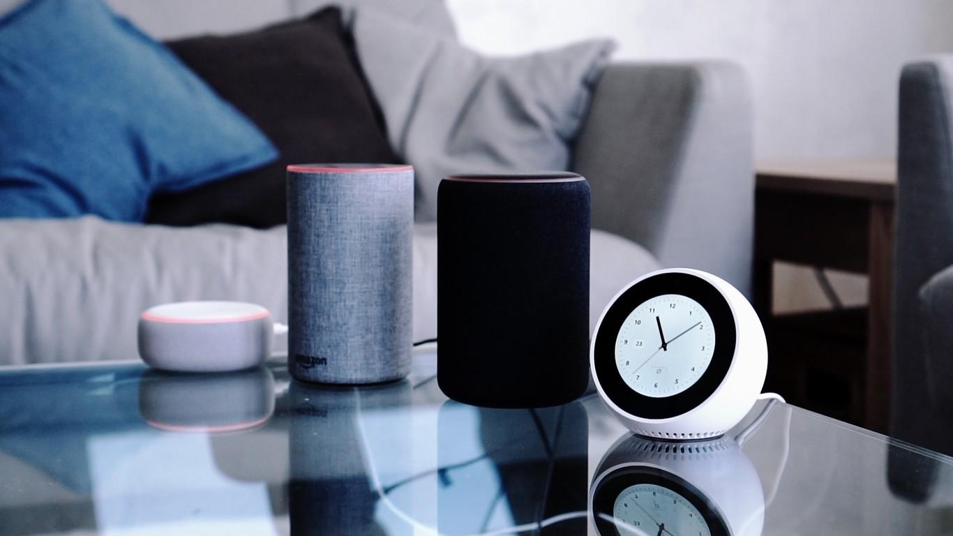 Los 5 mejores accesorios baratos con Alexa